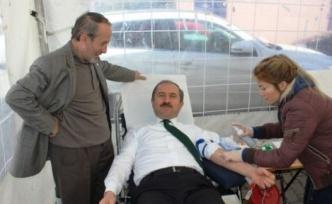 Ataşehir Kaymakamlığında Kan Bağışı Kampanyası Düzenlendi.