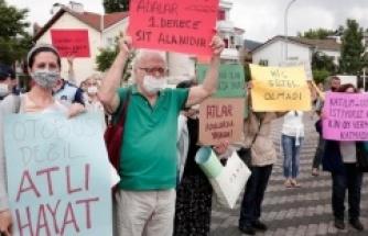 Ekrem İmamoğlu Adalar'da protesto edildi