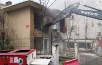 Kartal Belediyesi İlçedeki Riskli Yapıların Yıkımına Devam Ediyor