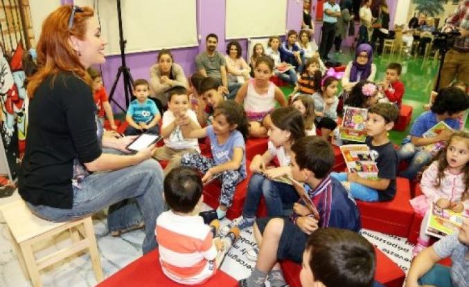 Ataşehir'de Masal ve gösterilerle çocuklar eğleniyor