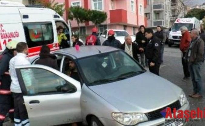 Ataşehir'de 3 Kişinin Yaralandığı Kaza Gasp Olayı Çıktı