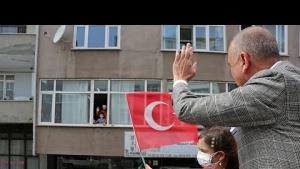 23 Nisan Bayramında, Ataşehir Belediye başkanı Battal İlgezdi, Ataşehirlileri Selamlıyor