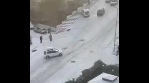 Ankara'da yollar buz pistine döndü sürücülerin zor anları kamerada