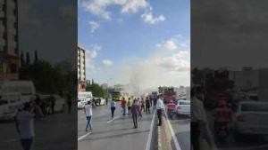 Ataşehir Bostancı E 5 Bostancı Köprüsünde İETT Otbüs Yangını 1 9 Eylül