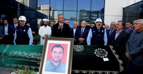 Ataşehir Belediye Çalışanı İbrahim Karademir Belediye önünde helallik alındı