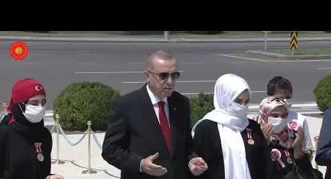 Cumhurbaşkanı Recep Tayyip Erdoğan, 15 Temmuz Şehitler Anıtı'nı ziyaret etti