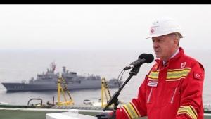 Cumhurbaşkanı Recep Tayyip Erdoğan, Fatih sondaj gemisini ziyaretinde konuşuyor