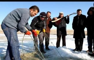 Kars Çıldır Gölü, Donmuş Gölde Balık Avı Show
