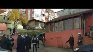 Yenisahra Mahallesinde Karot Alınan Evlerde Oturanlar Tahliye Ediliyor