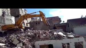 Yenisahra Mahallesinde Kentsel Dönüşüm Kapsamında Binalar Yıkılıyor