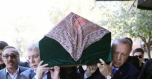 AK Partili Emin Akbaşoğlu'nun annesi son yolculuğuna uğurlandı
