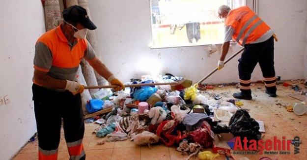 Ataşehir'de çöpe dönen ev temizledi