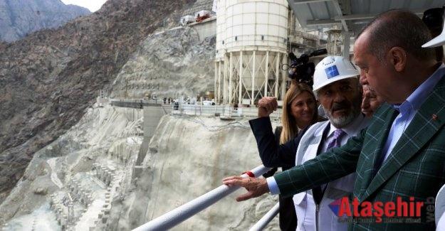 Cumhurbaşkanı Erdoğan, Yusufeli Barajı'nı incelerde bulundu