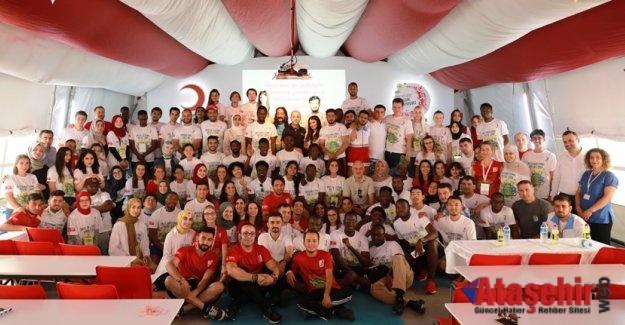 Dünya Gençliği Kızılay Kampında Buluştu