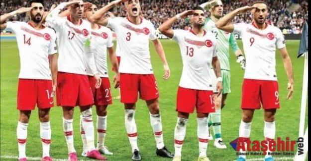 Türkiye, Hollanda'yı 4-2 yendi