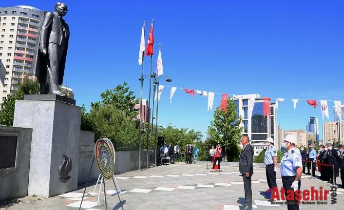 19 MAYIS ATAŞEHİR'DE COŞKUYLA KUTLANDI