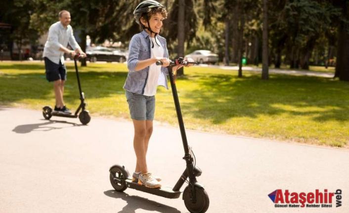 Elektrikli Scooter Kullanırken Koruyucu Ekipmap Şart
