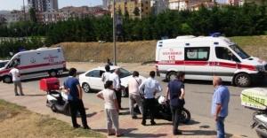 Ataşehir'de motosiklet kazası, İki Kardeş yaralandı