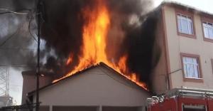 Ataşehir Yeni Çamlıca Mahallesin'de korkutan yangın