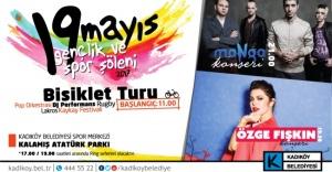 KADIKÖY'DE 19 MAYIS COŞKUSU