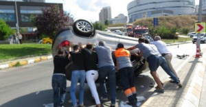 Ataşehir'de  Profesör, kazada ölümden döndü