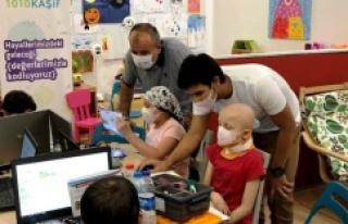 Kanser tedavisi gören çocuklara robotik ve kodlama...