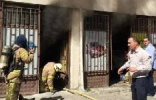 Ataşehir'de yedek parça deposunda yangın