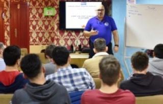Tuzla'da 710 öğrenci daha hayaline kavuştu
