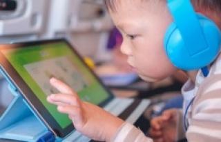 Çocukların gözlerini en çok akıllı telefonlar...