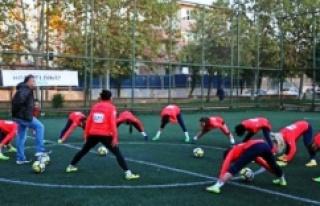Turkcell Kadın Futbol Ligi'nde çeyrek finalistler...