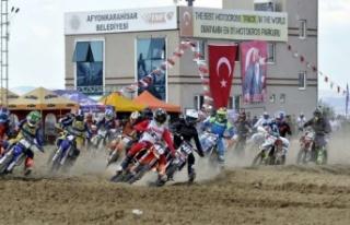 Avrupa'nın motokrosçuları Afyonkarahisar'da...