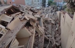 Sarıyer'de 9 katlı boş bina çöktü