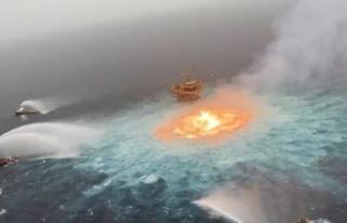 Meksika Körfezi'nde petrol boru hattında çıkan...