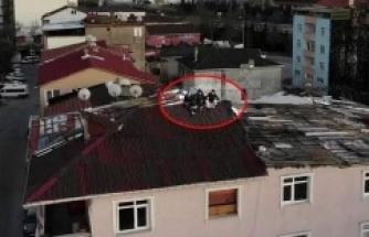 Polis Çatıdaki Gençleri Dronela Yakaladı