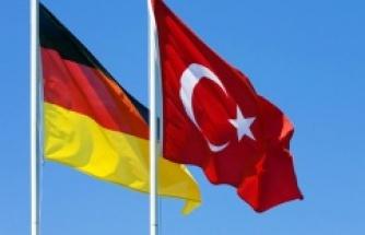 ALMANYA'DAN 1 MİLYON TÜRK'ÜN VATANDAŞLIĞINI İPTALE HAZIRLANIYOR