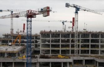 Yüksek faiz inşaat sektörünü olumsuz etkiliyor