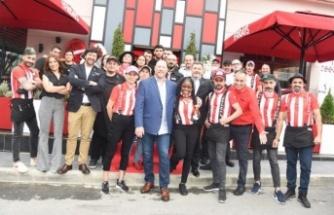 TGI Friday's Ataşehir'de 2. şubesini açtı