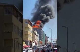 Ataşehir Kayışdağı Mahallesi Akyazılı Caddesinde Korkutan Yangın